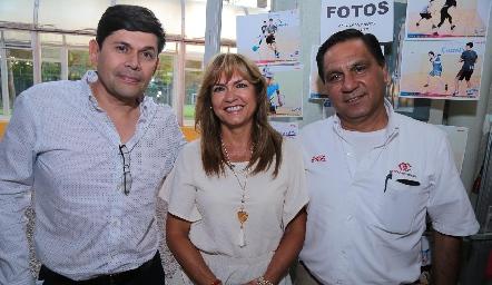 Oscar, Graciela y Lenar.