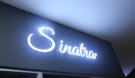 Sinatra Karaoke Bar.
