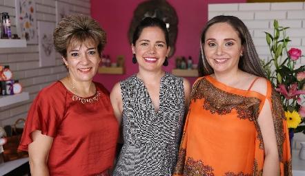 Marcela López, María Begoña y Ana.