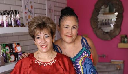 Marcela López, Rocío Costilla y Fernanda.