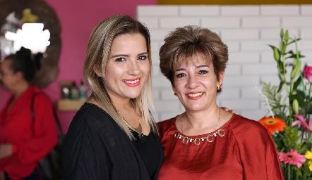 Ana Ceci López y Marcela López.