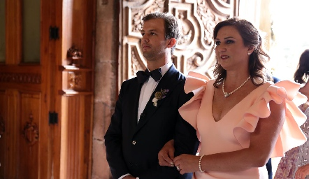 . Catherine Barret con su hijo Alejandro Abud