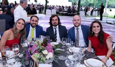 Montse, Manolo, Ponchito, Ricardo y Mónica.