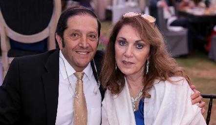 Pablo Sainz y July Abud.