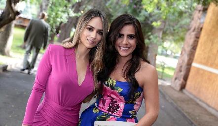 Iliana Rodríguez y Nina Galarza.