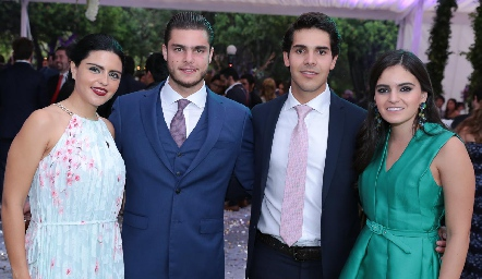 Dany de los Santos, Santiago Rosillo, Mauricio Tobías y Adriana Olmos.