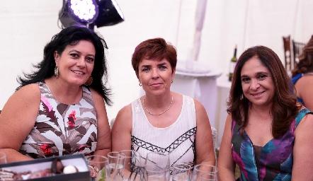 Lourdes Del Valle de Medina, Anabel Valle y Rebeca Celis.