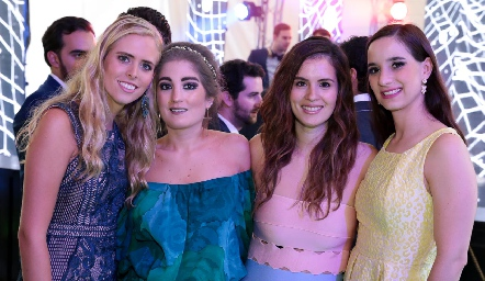 Ingrid Velasco, Silvana Zendejas, Valeria Flores y Luli Lamas.