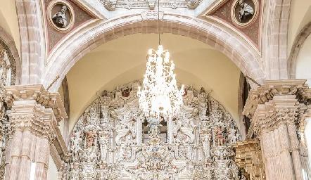 Magestuoso Templo del Carmen.