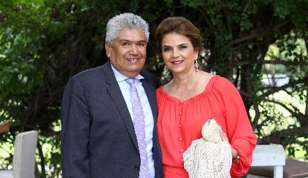 Francisco Ruiz y Luz María Marquez.