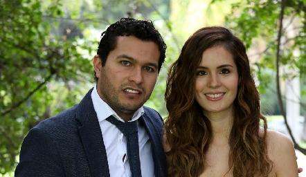 José Ramón Barragán y Valeria Flores.