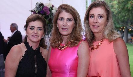 Adriana Carrera, Mónica Hernández y Anna Meade.
