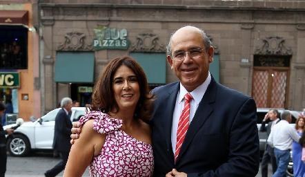 Sandra y Pedro Leal.