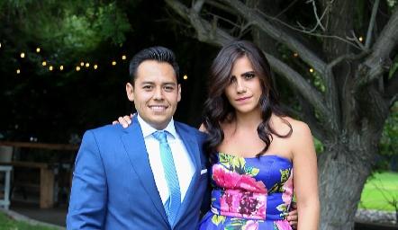 Oscar Álvarez y Nina Galarza .