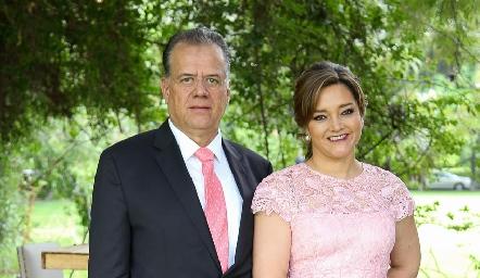 Fernando Chávez y Martha Rangel .