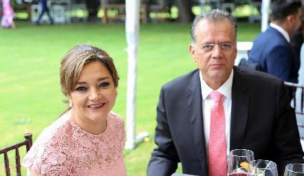 Martha Rangel y Fernando Chávez .