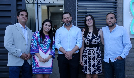 Dr. Francisco de la Rosa, Dra. Paola Reyes, Dr. Jesús Zermeño, Dra. Margarita Jiménez y Dr. Roberto Castillo.