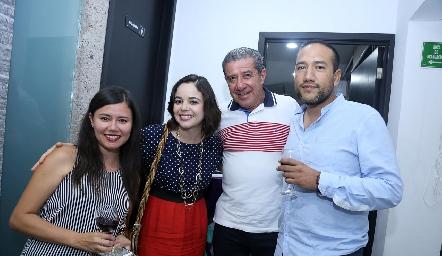 Janet Orduña, Mitzi Galeano, Dr. Javier Zárate y Dr. Roberto Castillo.