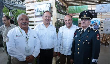 En la inauguración de la FENAPO.