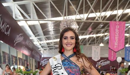 La bella Reina de la FENAPO.