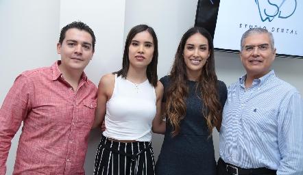 Diego Tejeda, Pao, Sofía y Mario Delgadillo.