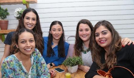 Marilú Díaz de León, Sofía Delgadillo, Aurora Martínez, Sofía González y Marijó Motilla.