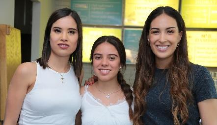 Pao Delgadillo, Selene rosales y Sofía Delgadillo.
