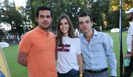 Rodolfo Ortega, Isa Pérez y Santiago Guzmán.