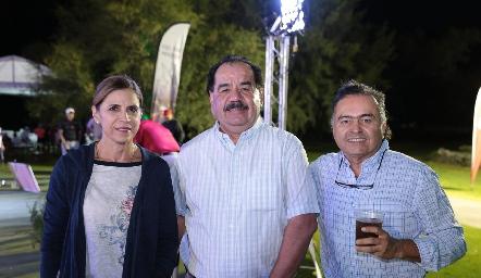 Gaby Godínez, Samuel Guerrero y Toño Espinosa.