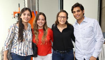 Karen Villanueva, Andrea  Barbosa, Alicia Rubio y Mario Martell.