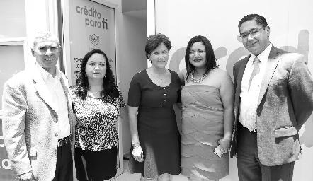 Martín Arias, Lina del Carmen Juárez, Rosario Fernández, Karla Ramos y Alfonso Castillo.