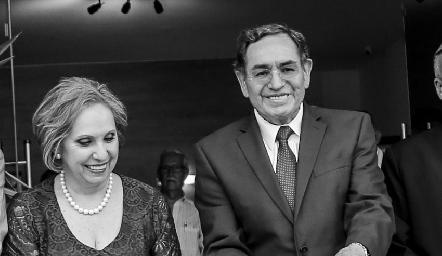 Mercedes Lastras y Jesús Rosillo Inauguración de Laboratorio Tequis.