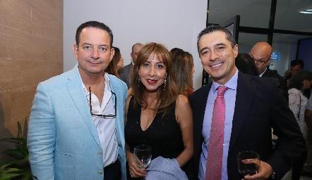 Ricardo Zamora, Ana María y Carlos Mier.