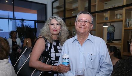 Hilda Martin del Campo y Adalberto Palomo.