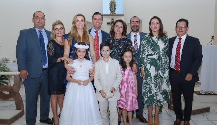 Miguel Gutiérrez, Erika Matuk, Marisol Valladares, Marcelo Galán, Fer Félix, Manuel González, María José Abaroa, Checo Quibrera y los hermanos Galán Valladares.