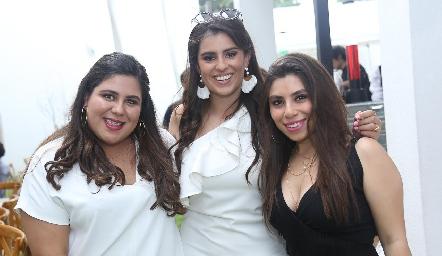 Fernanda, Cassandra y Fernanda.