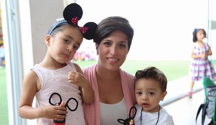 Loretta, Andrea Díaz de León y André.