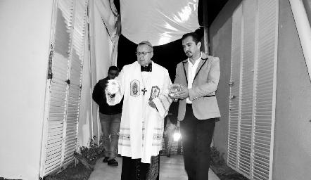 La Bendición de Velarias estuvo a cargo del Sr. Arzobispo de San Luis Potosí, Carlos Cabrero Romero.