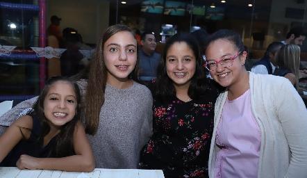 Nuria, Emelin, Tania y María.