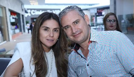 Claudia Pérez Amaral y Luis Castro.