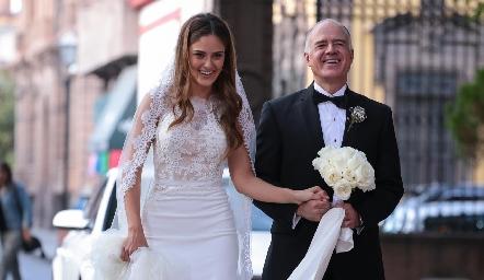 Ana Pao con su papá Gustavo Rangel.