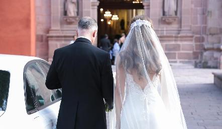 Camino al altar.