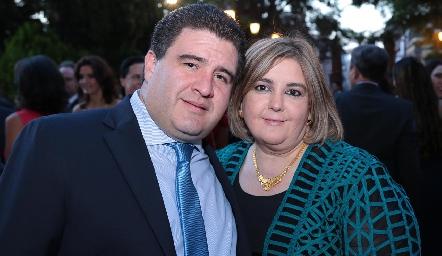 Antonio Delgado y Regina Payán.
