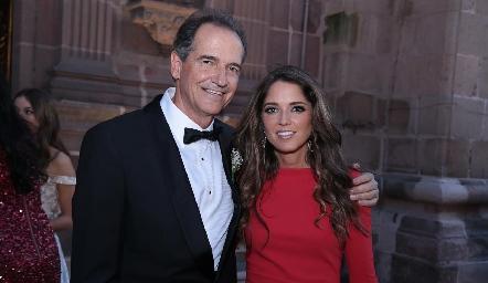 Ricardo Gómez con su hija Luzde.
