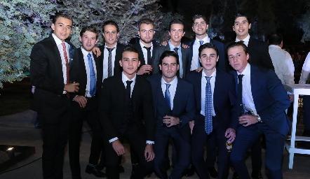 Buenos amigos en la boda de Chema Gómez y Ana Pao Rangel.