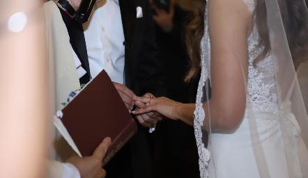 Argolla de matrimonio.