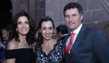 María Dolores Hernández, Tere de Morelos y Jorge Gómez.