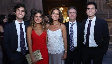 Familia Nasta Gómez.