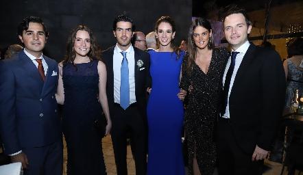 Javier Gómez, Ana Laura González, Ricardo Gómez, María Stevens, Melissa Ruiz y Tito Herrera.