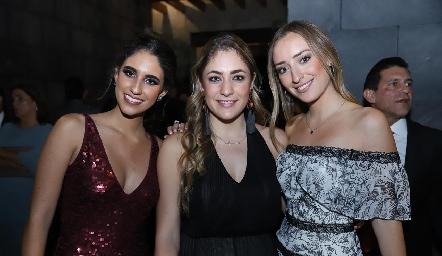 Javiera Gómez, Tere Morales y Carla Soto.